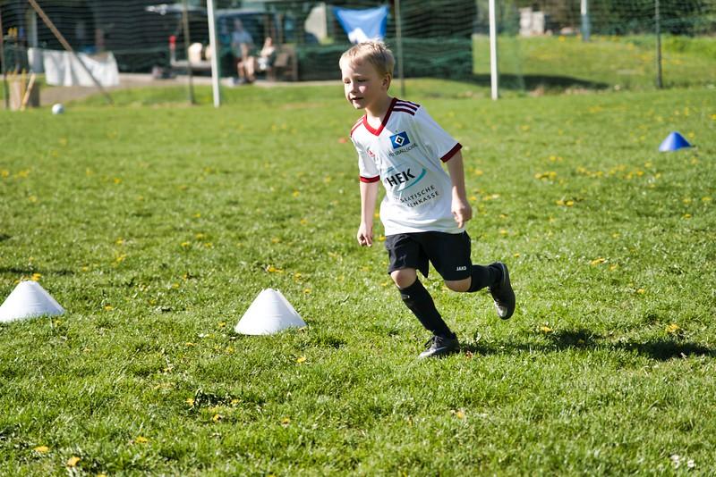 hsv-fussballschule---wochendendcamp-hannm-am-22-und-23042019-u51_46814454275_o.jpg