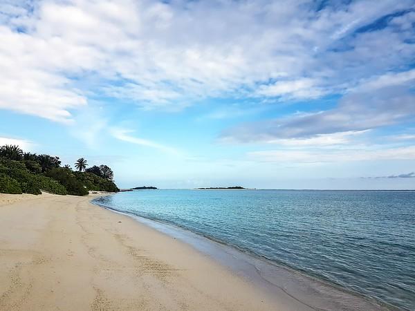 Maldives on a budget - Mathiveri Island beach