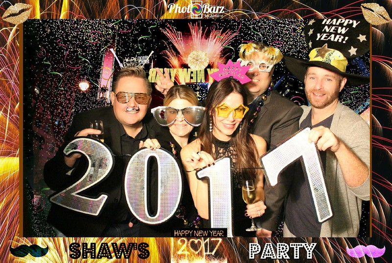 Shaws NYDay Party (68).jpg
