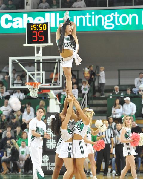 cheerleaders9283.jpg