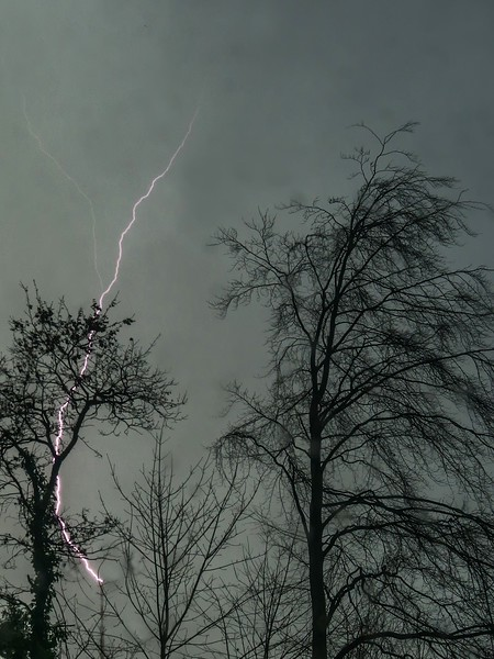 Blitz im Winter