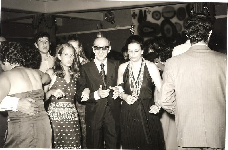 Fim do Ano 73-74 Maria Cordoeiro ( secretária da Direcção a partir de 1973 ), Dr. João Rocha Afonso, Isabel Viegas