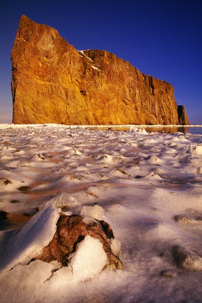 Rocher Perçé (pierced rock) - Perçé, Gaspésie