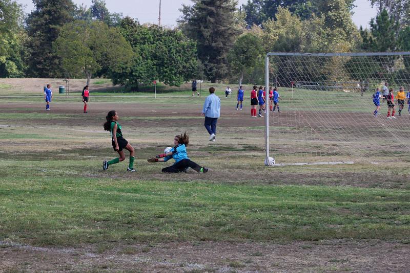 Soccer2011-09-17 11-22-15.JPG