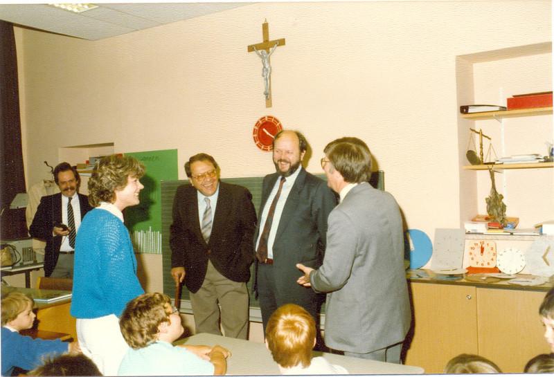 1986 Preisverleihung durch Kultusminister Breitenbach (13).jpg