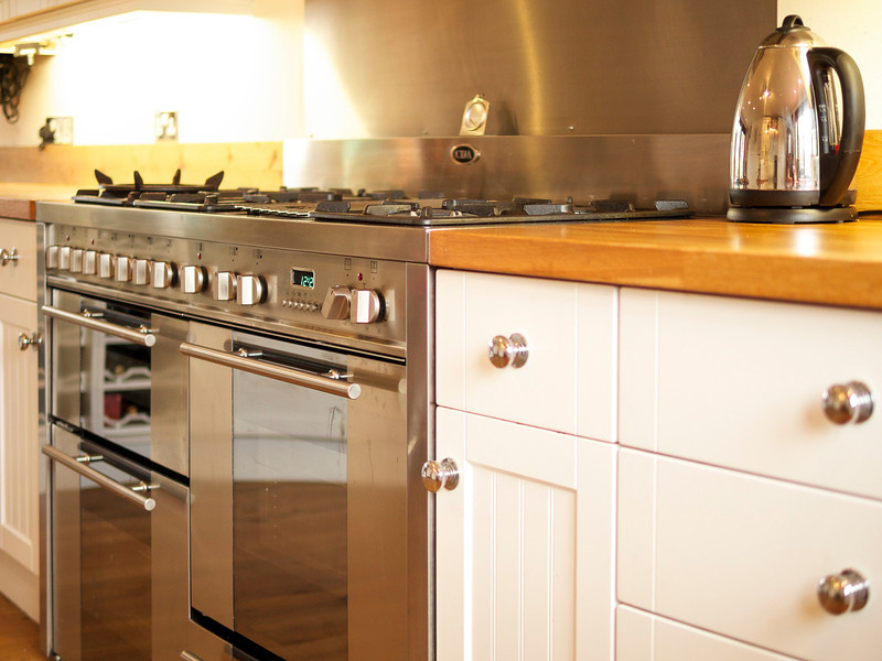 kitchen cooker detail.jpg