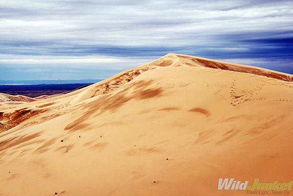 Khongoriin Els sand dunes