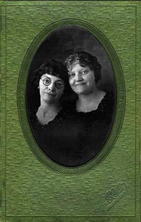 Carl Nelson Daughters Clara and Georgine.jpg