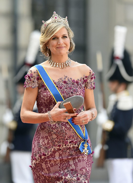 . Queen Maxima of the Netherlands arrives for the wedding of Sweden\'s Crown Prince Carl Philip and Sofia Hellqvist at Stockholm Palace on June 13, 2015. AFP PHOTO / JONATHAN  NACKSTRAND/AFP/Getty Images
