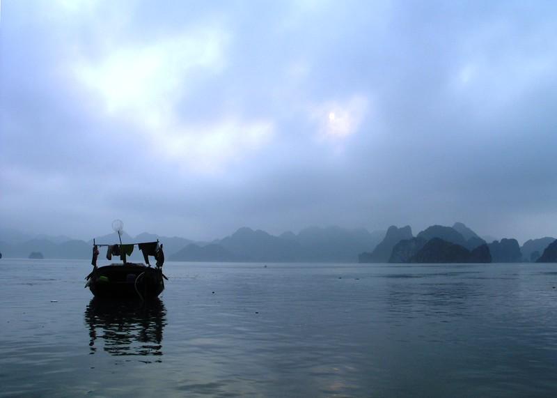 Early morning, Ha Long Bay.jpg