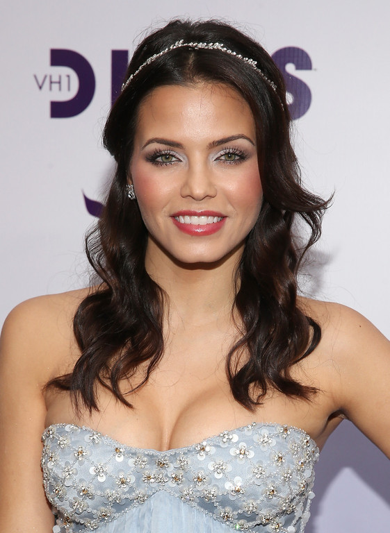 ". LOS ANGELES, CA - DECEMBER 16:  Actress Jenna Dewan-Tatum attends ""VH1 Divas\"" 2012 at The Shrine Auditorium on December 16, 2012 in Los Angeles, California.  (Photo by Christopher Polk/Getty Images)"