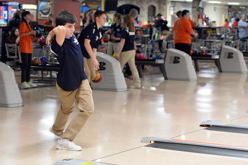 boys_bowling_9801.jpg