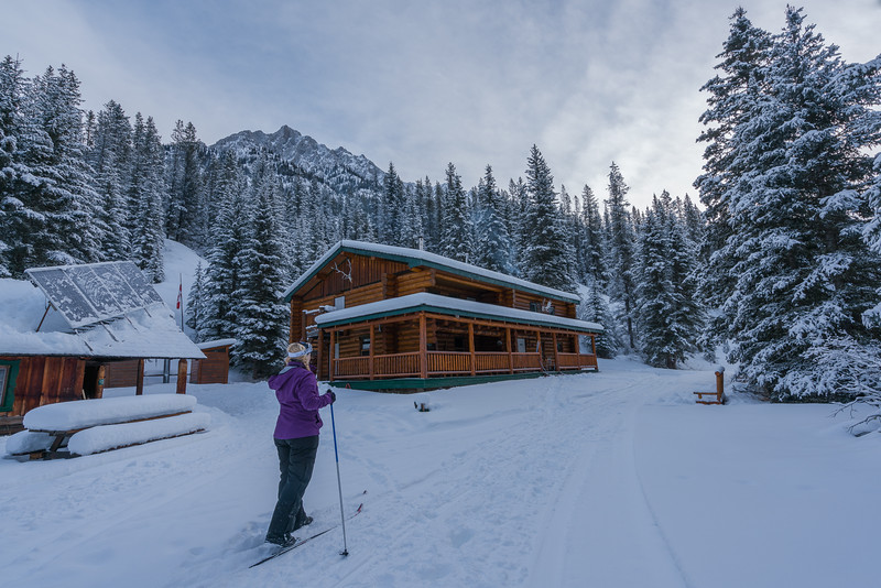 hotels-in-banff-sundance-lodge-3.jpg