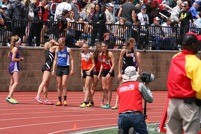 Girls 1600M - 2018 MHSAA LP TF FINALS - DIVISION ONE