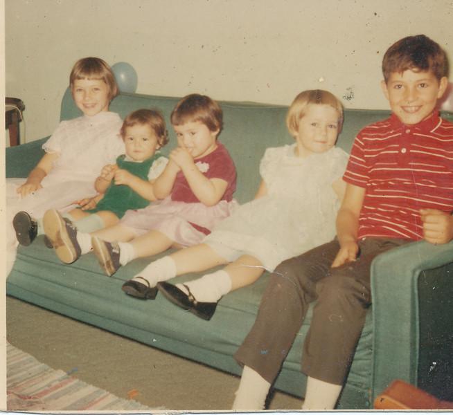 Jeanette, Annette, Ramona, Shari & Jeff 1968.jpg
