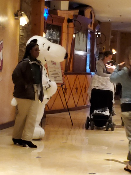 20190519-54p-SoCalRCTour-Snoopy-Knott's Berry Hotel-Buena Park CA.jpg