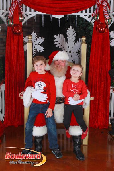 Santa 12-10-16-337.jpg