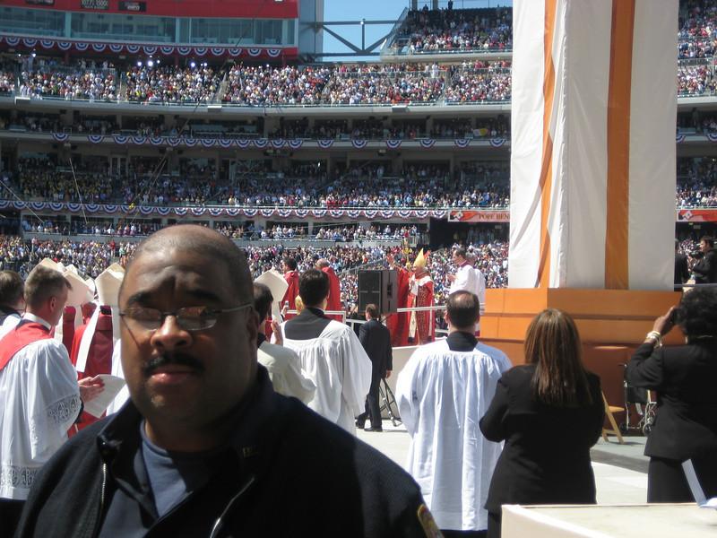 Pope Mass Nats Stadium 4-17-08 076.jpg