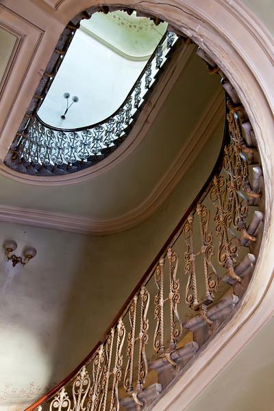 old-stairway-in-florence.jpg