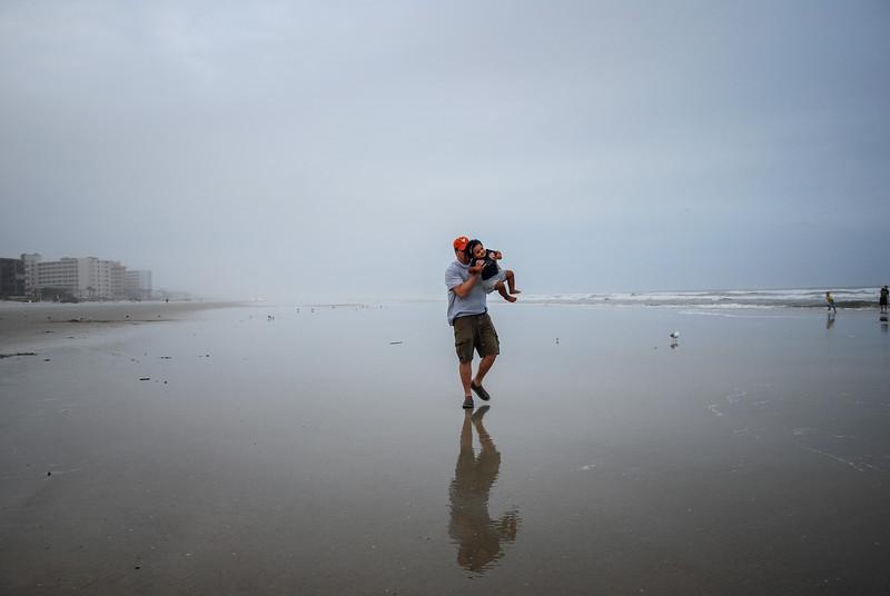 J and Mari at beach 12.2018 VIII.jpg
