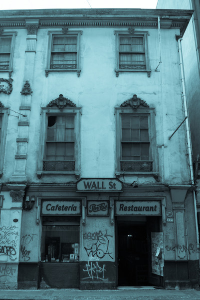 on the valparaiso streets