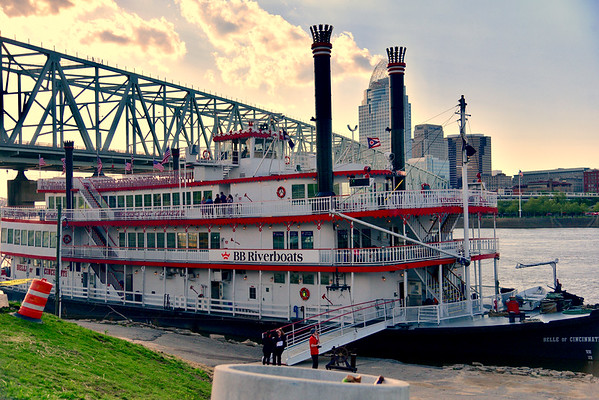 B&A BB Riverboats