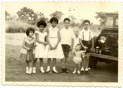 Zelinha Adalberto, Dulce Henriques , Betty  Ricardo, filho do Sr Tomás , Jorge Henriques e Fernando Henriques, (filhos de Ramiro Jose Henriques)
