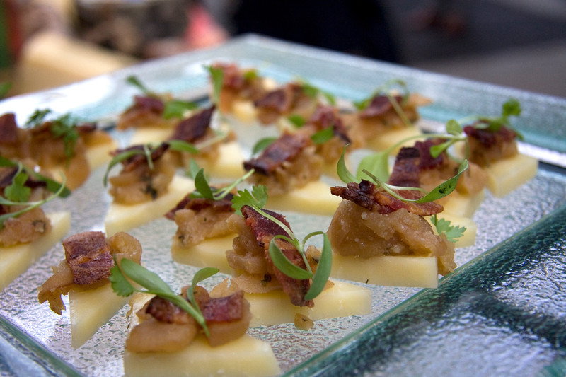 cheddar-with-apple-compote-and-berkshire-bacon_3636565849_o.jpg