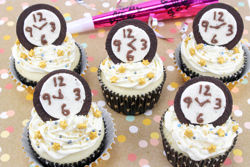 New Year's Eve Countdown Cupcakes 4.jpg
