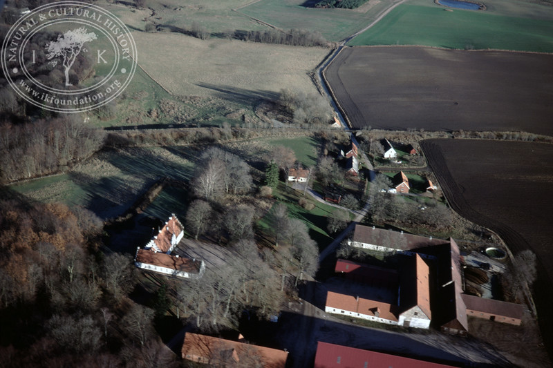 Torups Gård, south Ravlunda, farmland with ponds - with plantations and prehistoric remains (20 November, 1988). | LH.0298