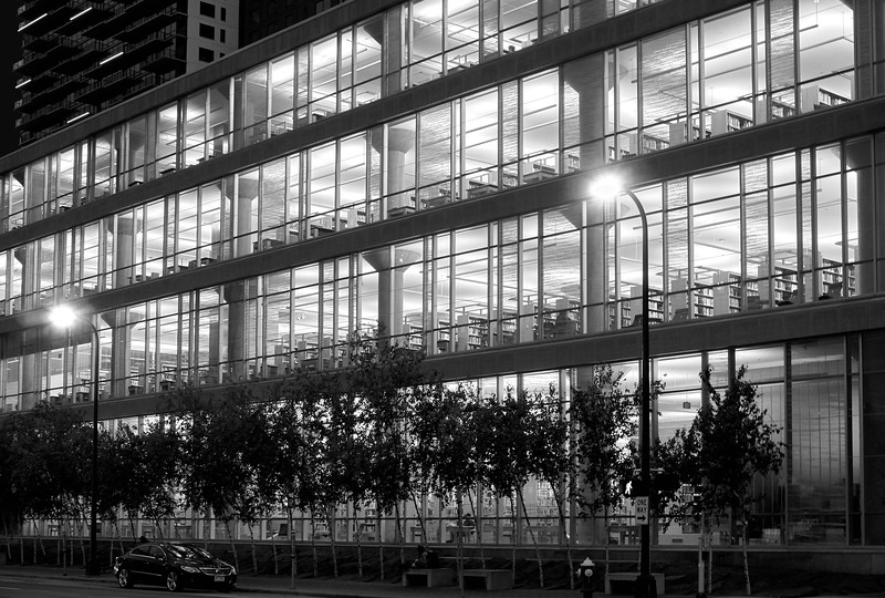 MInneapolis Central Library at night