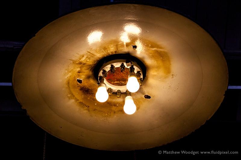 Woodget-140530-0811--light, light bulb, old - worn, old fashioned.jpg