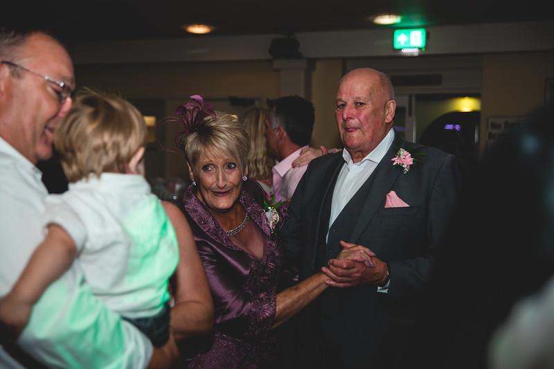 Mr & Mrs Hedges-Gale-256.jpg