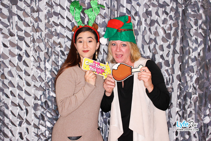 red-hawk-2017-holiday-party-beltsville-maryland-sheraton-photo-booth-0247.jpg