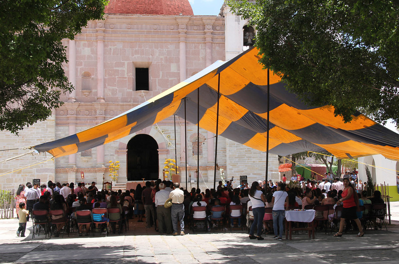 outdoor easter mass in mitla. better them than me