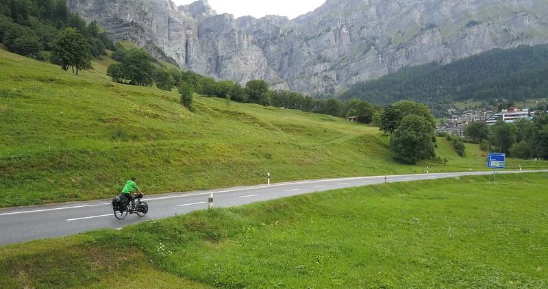Francky_Vallet_Suisse_Velo_basejump.jpg