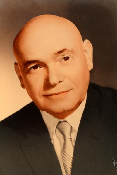 Daniel Yanovich 1960.jpg
