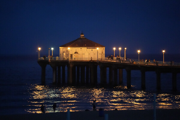 The Manhattan Beach Pier's Roundhouse