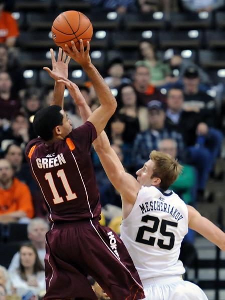 Nikita Mescheriakov defense.jpg
