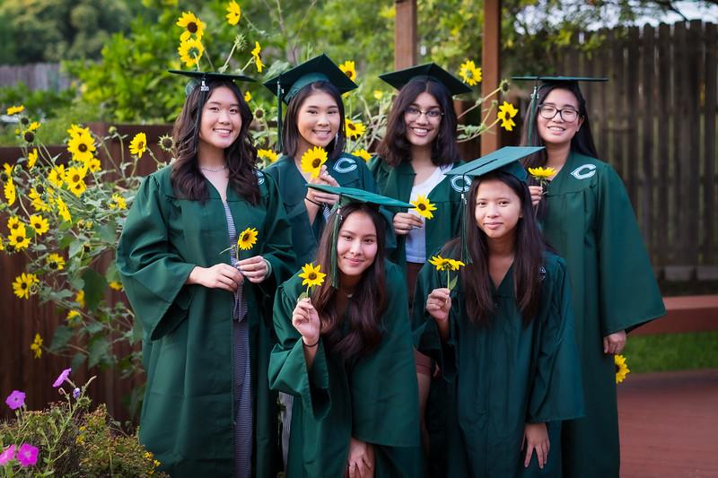 20200521_sarah-friends-connally-graduation_068.jpg