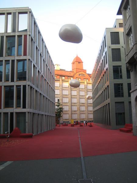 red_livingroom_art_2.jpg