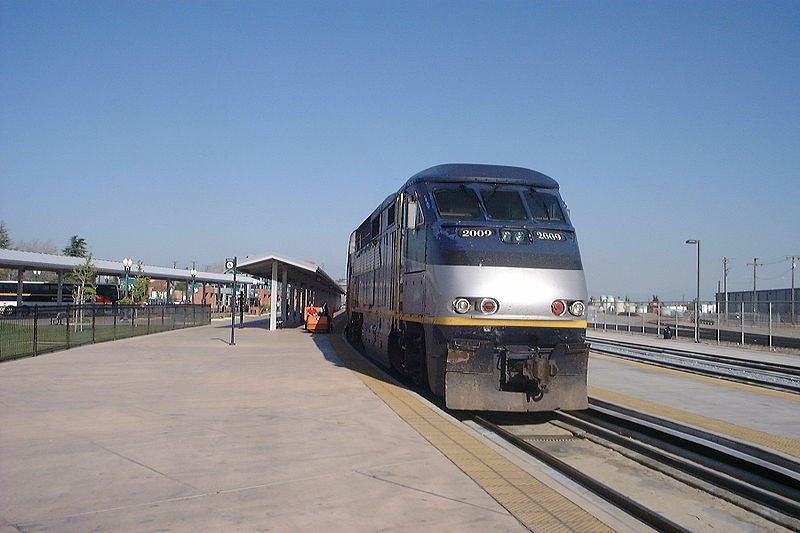 800px-San_Joaquin_at_Bakersfield_in_2003.jpg