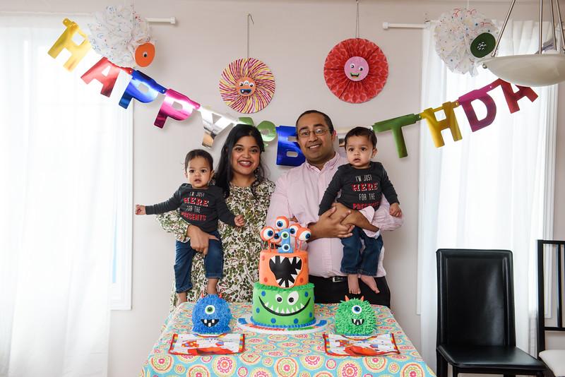 Roshin & Vinash Birthday Cakesmash-54.jpg
