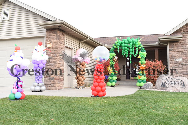 11-1 Halloween decorations