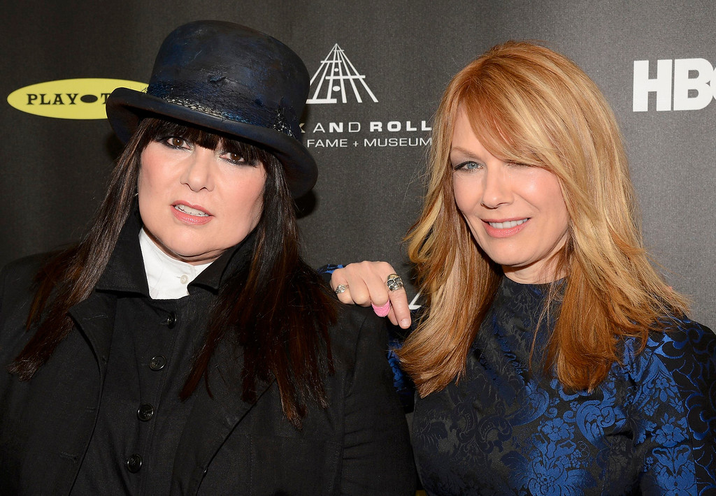 . Inductees Ann (L) and Nancy Wilson of Heart arrive at the 2013 Rock and Roll Hall of Fame induction ceremony in Los Angeles April 18, 2013.   REUTERS/Phil McCarten