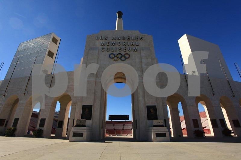 LA Memorial Coliseum 5332.jpg