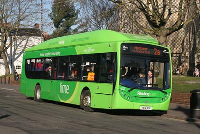 432, YN14MYB, Reading Buses,
