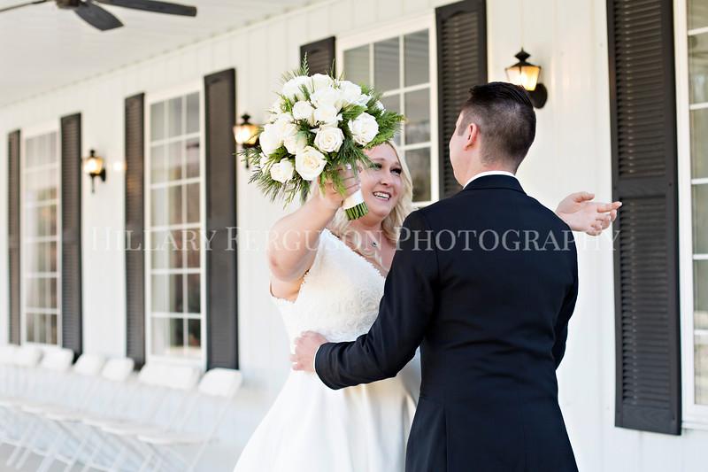 Hillary_Ferguson_Photography_Melinda+Derek_Getting_Ready373.jpg
