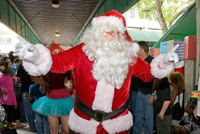 Debbie Institute - Santa and the Kids - December 12, 2009