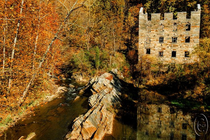 defunct_md_hydroelectric_project_00004_autumn_roadside_scene.jpg